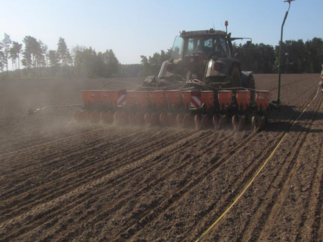 Германска оперативна група проучва ефективното приложение на микориза при картофи, царевица и соя