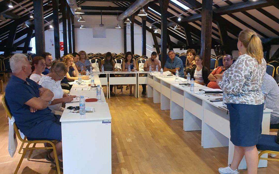 Фермери и преработватели на етерично-маслени култури обмениха опит и знания на тематична среща в гр. Бачлик