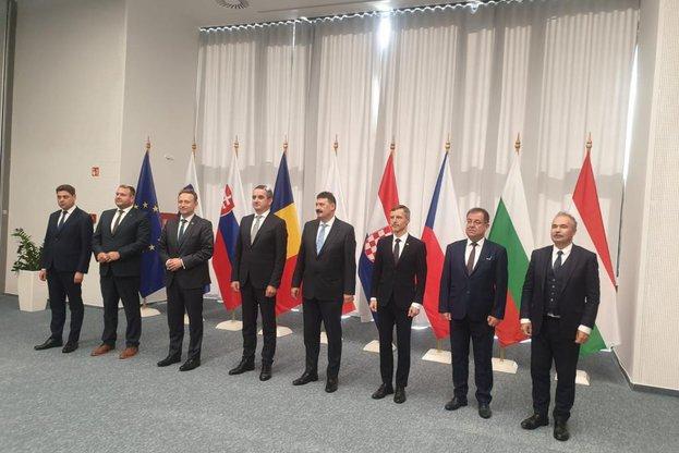 Земеделските министри от Вишеградската четворка и България, Хърватия, Румъния и Словения подписаха обща декларация за необходимостта от прозрачна процедура за приемане на Стратегическите планове по ОСП